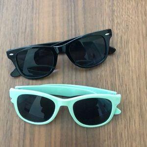 Blue/Black Sunglasses 🕶